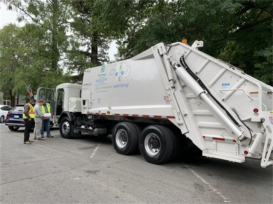 An image of an all electric garbage truck
