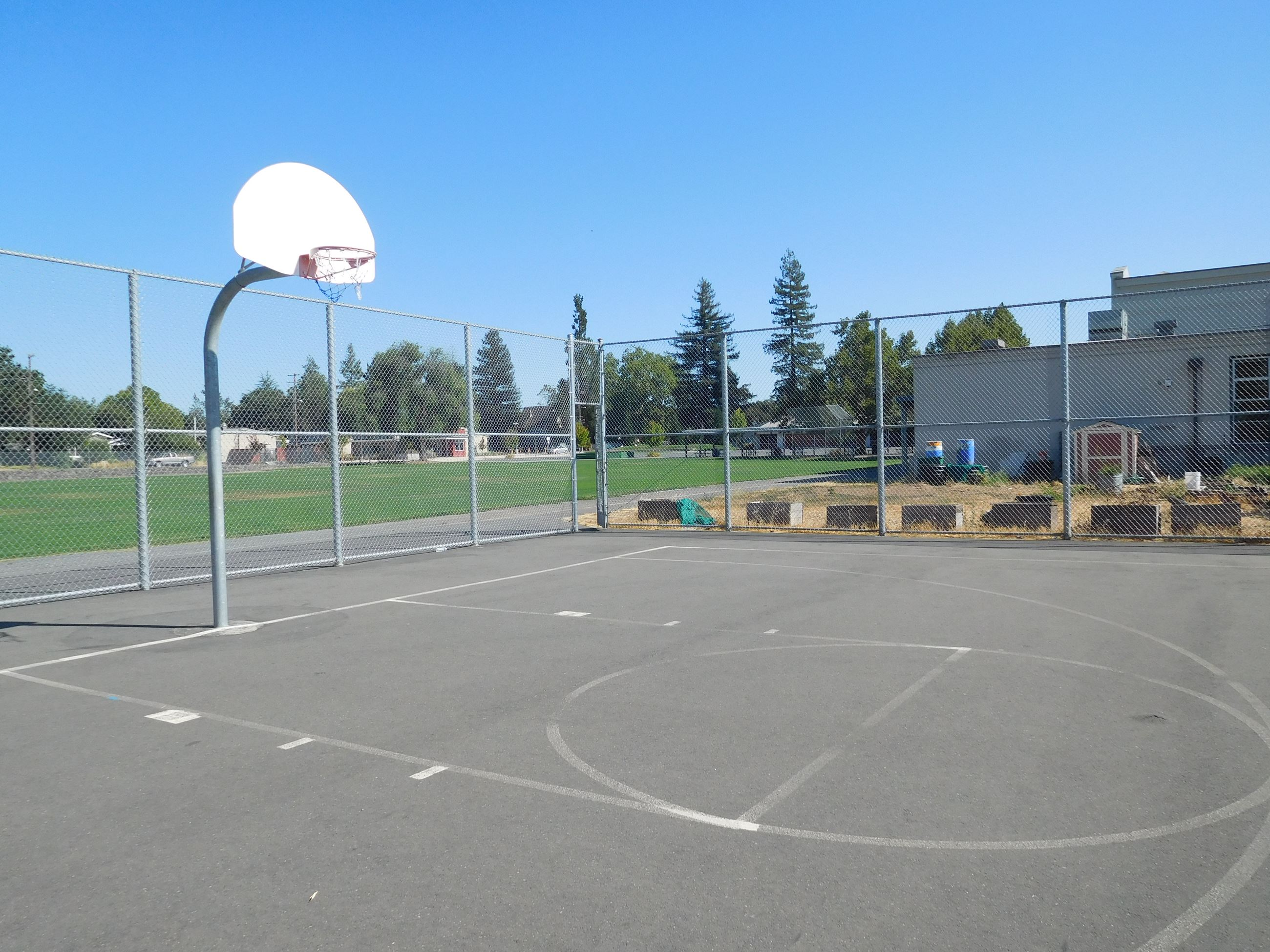 Healdsburg Junior High School